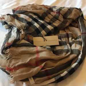 NWT Authentic Burberry Camel Check Scarf